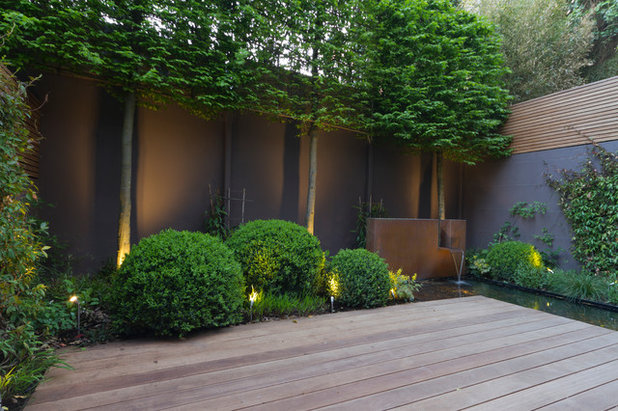 Contemporary Garden by Landform Consultants Ltd