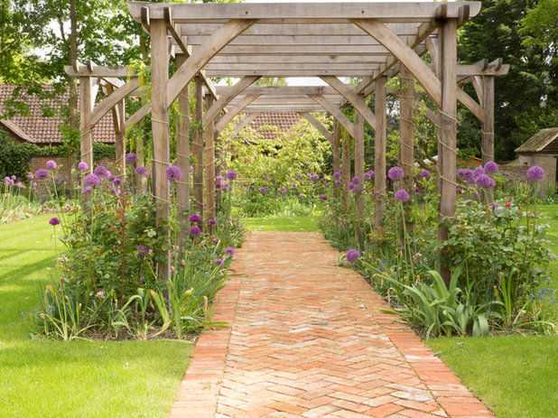 Country Garden by HortiServices Ltd