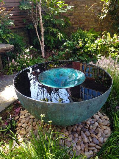 Modern Garden by Tills Innovations Ltd