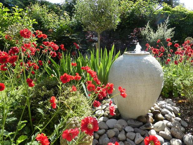 Contemporary Garden by Green Tree Garden Design Ltd