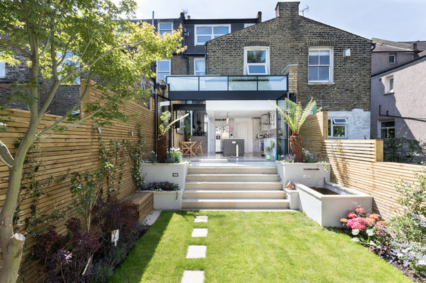 Contemporary Garden by Don't Move - Extend