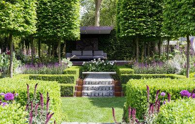 A Sunken Urban Garden With a Contemporary Seating Area
