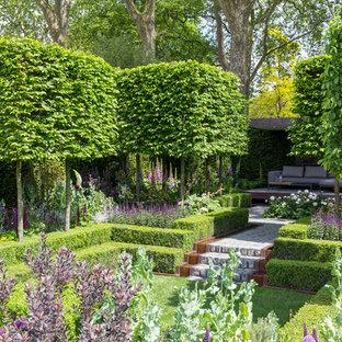 Aménagement d'un grand jardin contemporain.