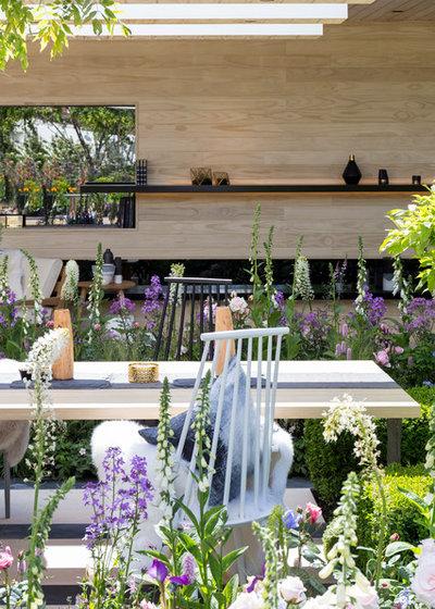 Contemporary Garden by Chris Snook