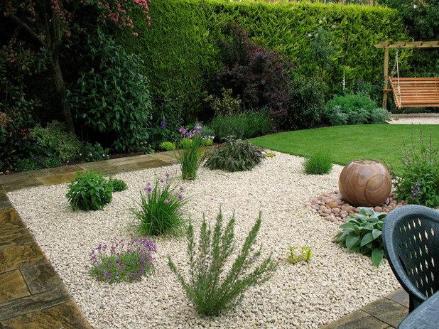 Farmhouse Landscape by Jane Harries Garden Designs
