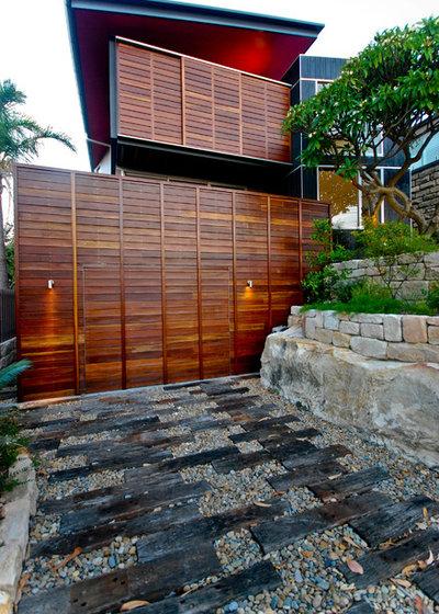 Contemporain Jardin by Mackenzie Pronk Architects