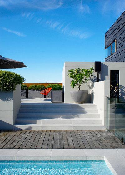 Resort Garden by Designhunter