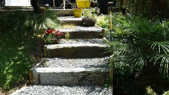 Simple informal steps provide easy access