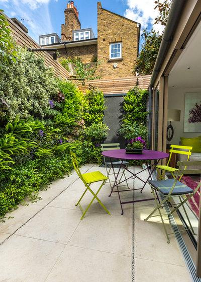 Современный Сад by The Garden Builders