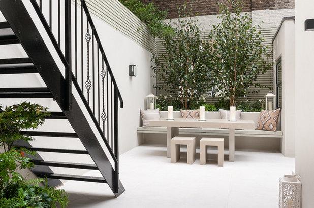Contemporary Garden by Karen Rogers at KR Garden Design