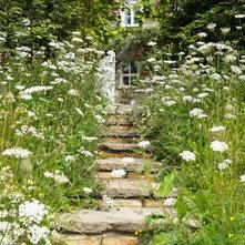 Farmhouse Landscape by Jonathan Snow Design