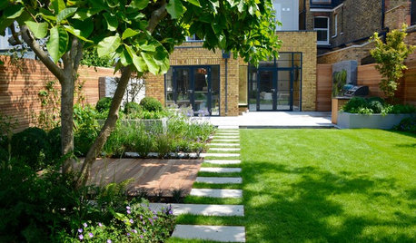 Garden Tour: A Calm, Urban Oasis With Space For Entertaining