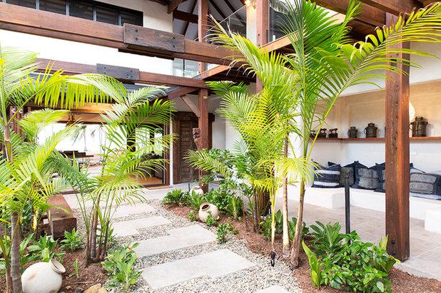 Tropical Garden by The Design Villa