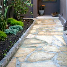 Traditional Landscape by Andrew Lynch Landscaping