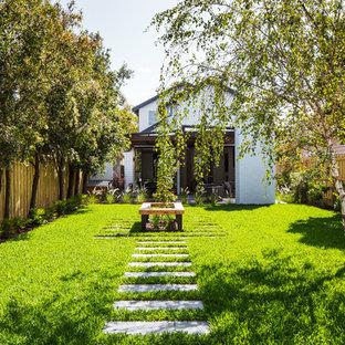 Inspiration for a contemporary garden in Melbourne.