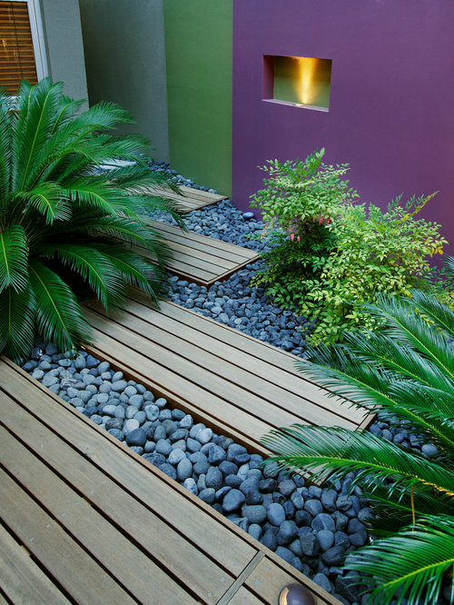 Small courtyard design houzz for Courtyard landscaping perth
