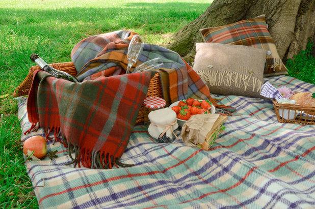 Contemporain Jardin by The Tartan Blanket Co.