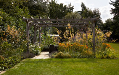 Garden Tour: An Established Country Garden is Gently Updated