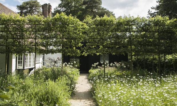 Farmhouse Garden by Stefano Marinaz Landscape Architecture