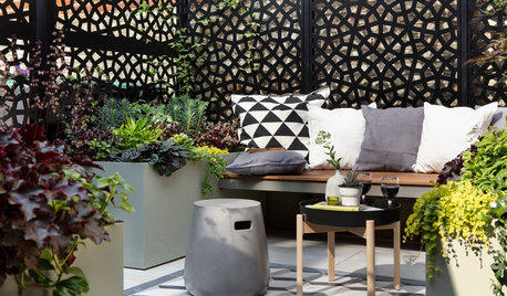 Garden Tour: A Tiny, L-shaped Space Becomes Practical and Chic
