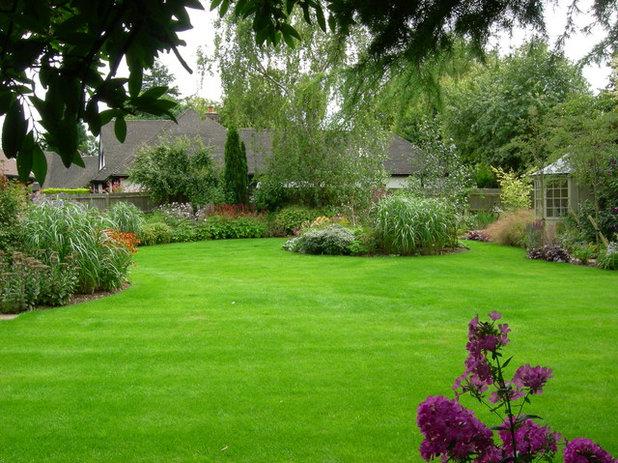 6 ventajas y 6 inconvenientes de plantar c sped en el jard n - Plantar cesped natural ...