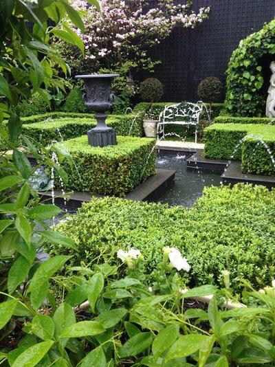 Mediterranean Garden by Designer Gardens  -   Anthony Trumble