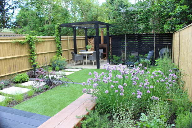 Contemporary Garden by Neil Jones Design