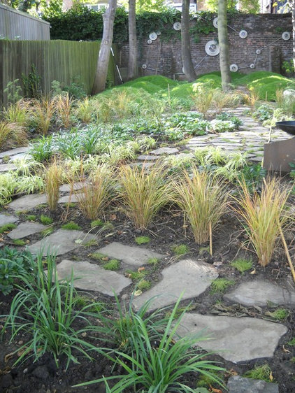 Traditional Landscape by London Garden Designer