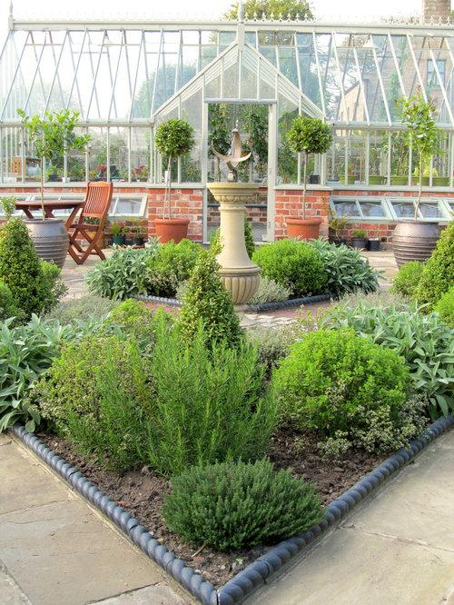 Garden design ideas renovations photos with a vegetable for Garden design vegetable patch