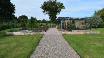 Traditional vegetable garden with a modern twist