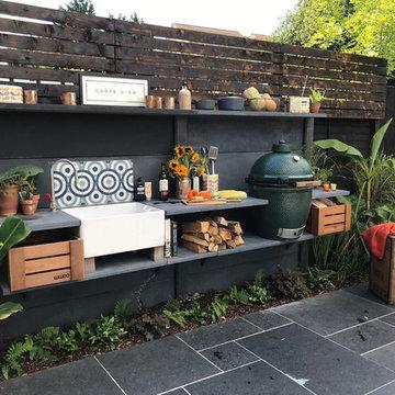 Tropical family garden - Redbourn