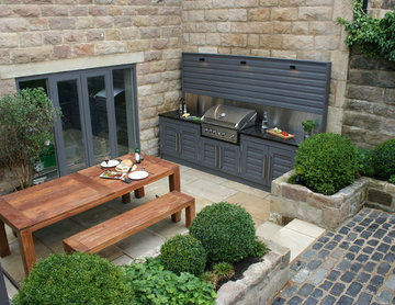 Urban Courtyard for Entertaining