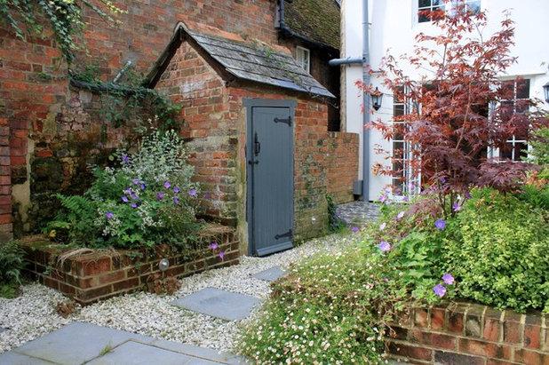 Victorian Garden by Peter Reader Landscapes