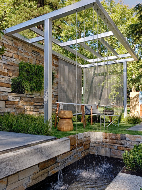 Modern water feature houzz for Garden designs with water features