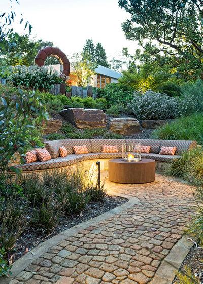 Contemporary Garden by The Garden Company