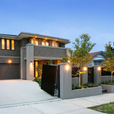 Inspiration for a large contemporary front yard landscaping in Melbourne.