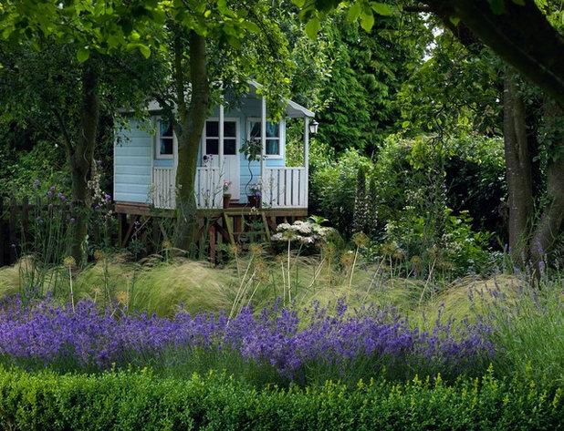 Klassisk Have by Joanne Winn Garden Design
