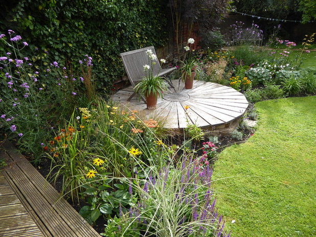 Traditional Garden by Yorkshire Garden Designer