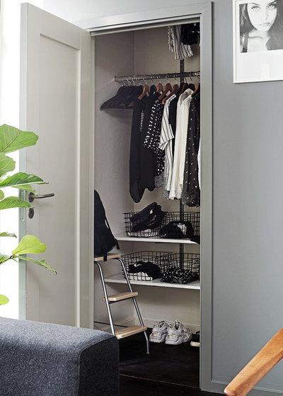 Modern Closet by Alvhem Mäkleri & Interiör