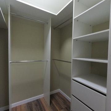 Двери-жалюзи в гардеробной