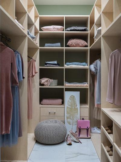 Contemporary Wardrobe by Студия дизайна Белякова & Караяни