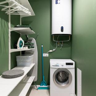 Ispirazione per una piccola cabina armadio unisex minimal con nessun'anta, ante bianche, pavimento in gres porcellanato e pavimento bianco