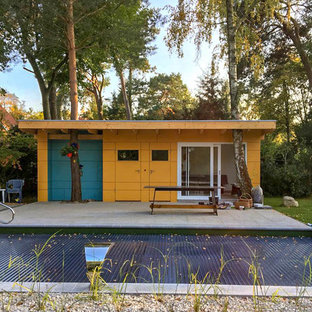 This is an example of a small industrial detached granny flat in Berlin.