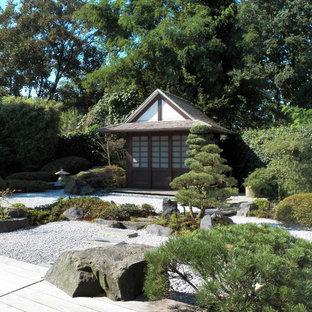 Inspiration pour un petit abri de jardin séparé asiatique avec un abri de jardin.