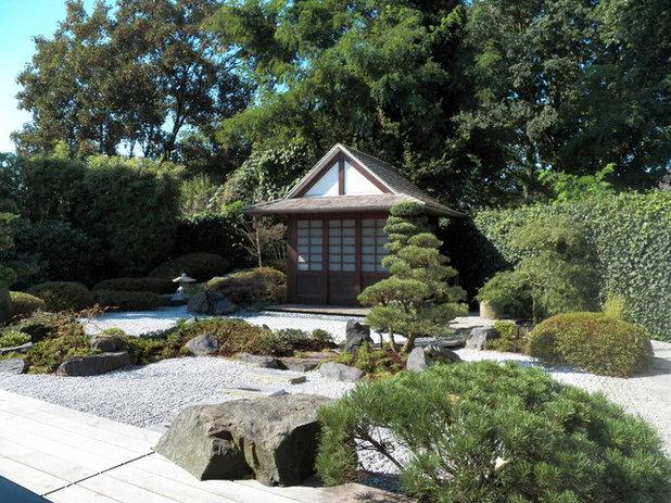 Восточный Хозпостройки by KOKENIWA Japanische Gartengestaltung
