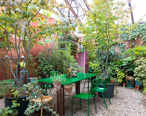 Giardino eclettico foto idee per arredare e immagini for Immagini di piccoli giardini