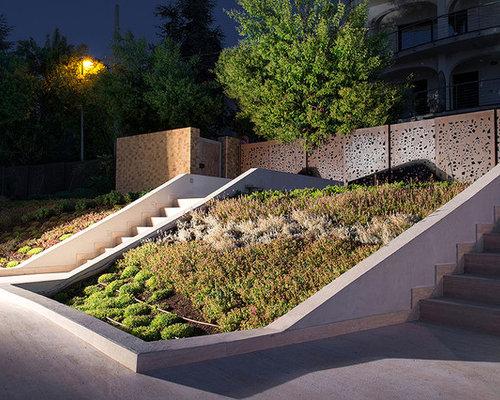 mediterraner hanggarten mit pflanzwand ideen f r die. Black Bedroom Furniture Sets. Home Design Ideas