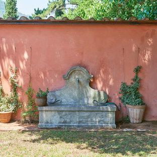 Immagine di un giardino chic