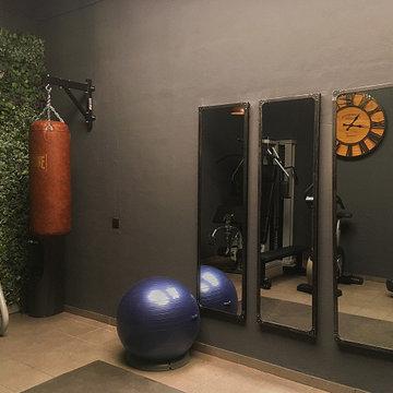 Industrial Gym in a Barcelona Basement