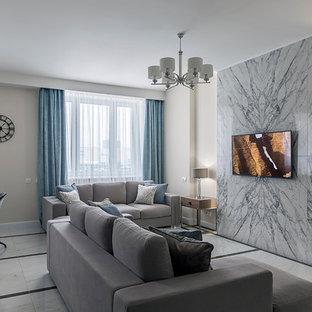 Пример оригинального дизайна: открытая гостиная комната среднего размера в современном стиле с бежевыми стенами, полом из керамогранита, телевизором на стене и белым полом без камина